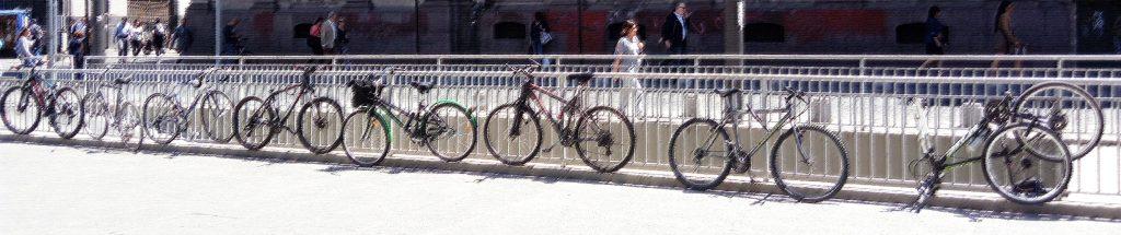Los desafíos que enfrenta la ciudad de Santiago en materia de infraestructura para satisfacer la alta demanda de ciclistas