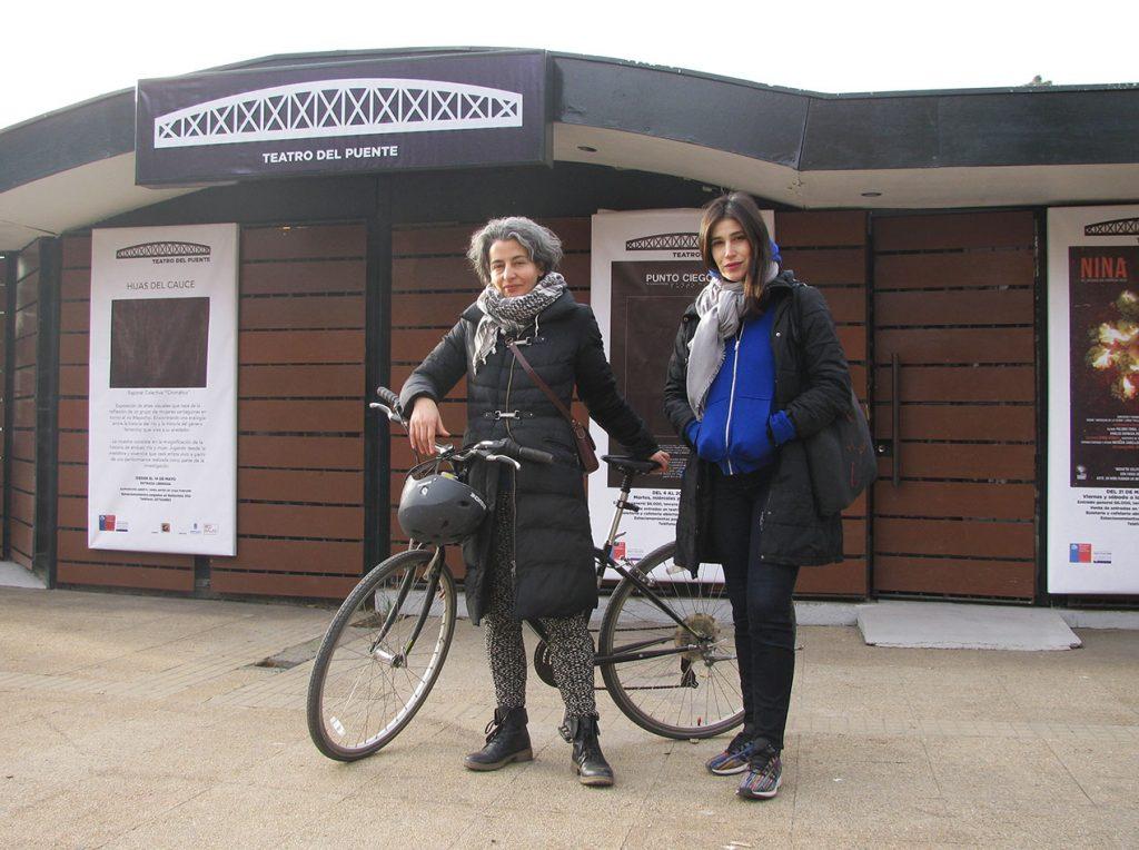 """María Paz Grandjean y Andrea Giadach: """"En este país, el hecho que circules con tu bicicleta de manera gratuita por la ciudad, es un acto que agrede a muchísimas personas"""""""